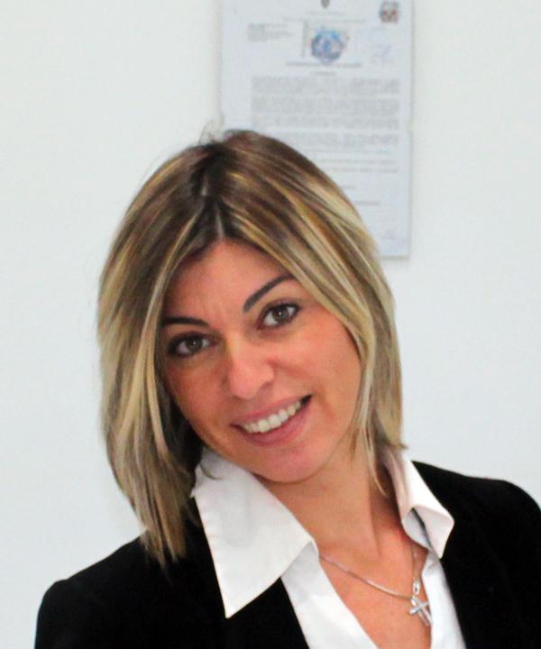 Rosy Cesarano - coordinatrice e responsabile accoglienza, acquisti e marketing